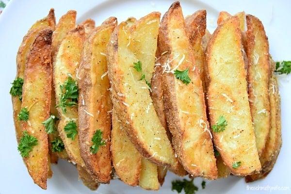 Rosemary Parmesan Baked Potato Wedges