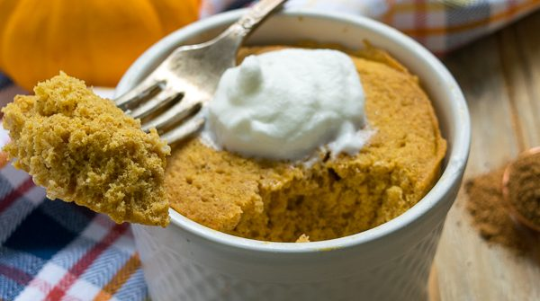Healthy Pumpkin Mug Muffin (single serve) - this microwavable clean eating is ready to eat in 5 minutes