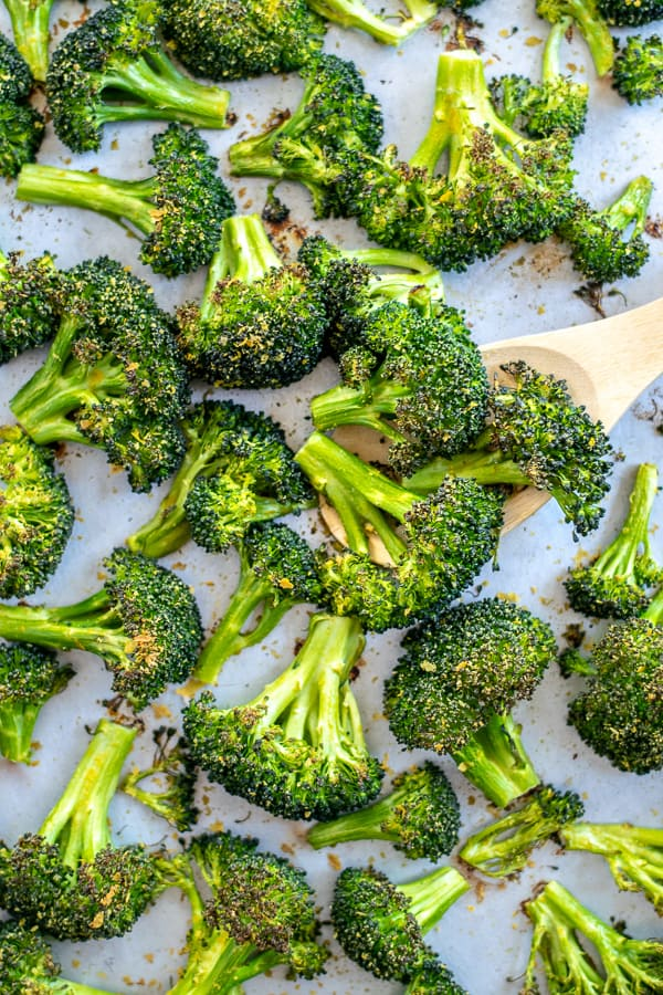 close up of freshly cooked broccoli | Roasted Broccoli Recipe | Oven Roasted Broccoli Recipe | Best Oven Roasted Broccoli Recipe |Roasted Broccoli Recipes Healthy | Recipe for roasted Broccoli in the Oven