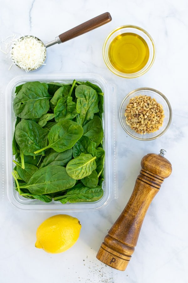 ingredients to make a simple spinach salad